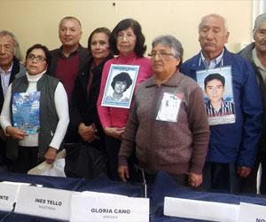 Familiares de las víctimas de Fujimori y sociedad civil plantean reunión con Presidente Kuczynski